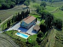 Dům s apartmánem v Casino di Terra
