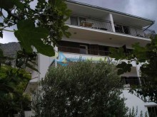 Dům v letovisku Lokva Rogoznica u Omiše na prodej