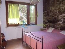Dům s apartmány  v Quercianella Sonnino