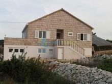 Nemovitosti Chorvatsko - Dům na ostrově Brač na prodej