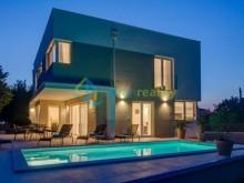 Luxusní vila ve Fažaně