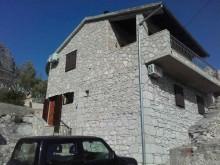 Tradiční kamenný dům na Hvaru