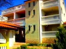 Dům s apartmány ve Fažaně