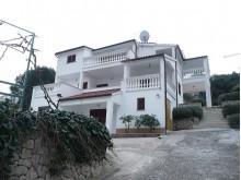 Dům s apartmány v Tribunj