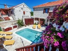 Dům s apartmány v Zadaru