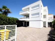 Vila s 5 apartmány u Zadaru