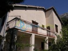 Dům ve vesnici Pisak