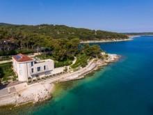 Romantická vila s 3 ložnicemi a zahradou na ostrově Brač
