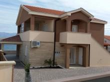 Dům s 3 apartmány na Viru