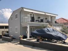 Dům s 4 apartmány v Ražancu