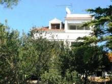 Dům s apartmány v Bilo
